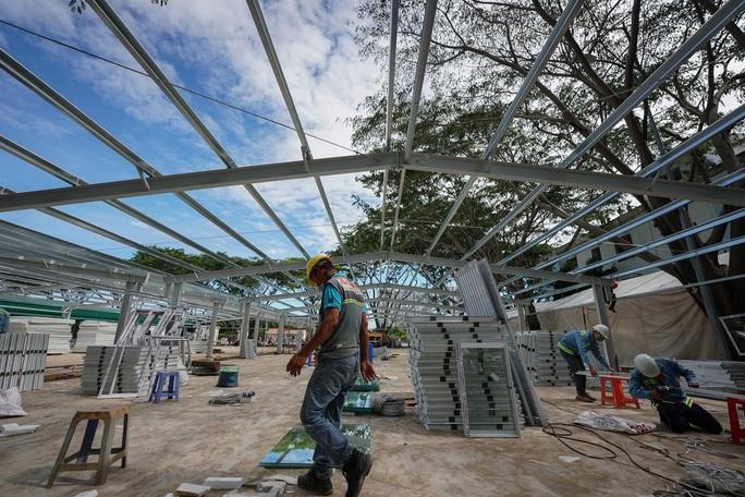 Toàn cảnh đại công trường xây dựng 2 bệnh viện dã chiến hơn 7.000 gường tại TP HCM - Ảnh 8.