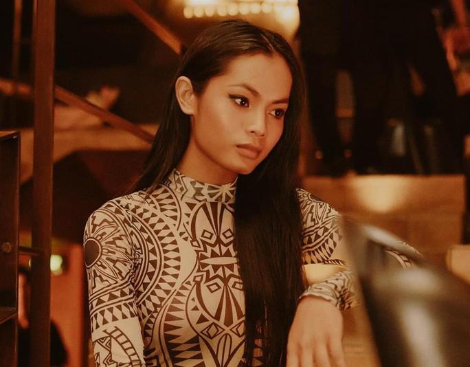 Người mẫu Châu Kim Sang khó khăn chống chọi căn bệnh ác tính - Ảnh 1.