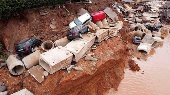 Được báo trước nhiều ngày, lũ lụt Tây Âu vẫn gây thiệt hại khó lường - Ảnh 3.