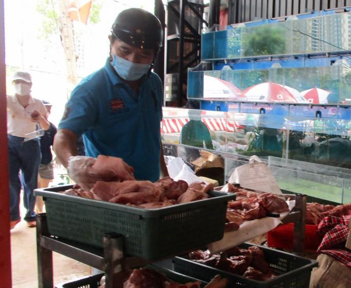 Thịt heo combo đồng giá 120.000 – 130.000 đồng/kg đắt hàng - Ảnh 2.