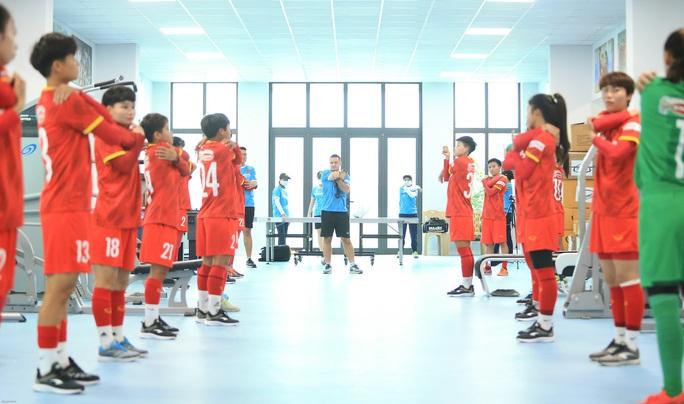HLV Mai Đức Chung nói về việc tìm nhân tố mới cho bóng đá nữ - Ảnh 2.