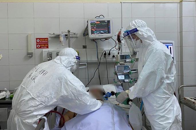Thủ tướng yêu cầu các tỉnh, thành áp dụng Chỉ thị 16 báo cáo nhu cầu về y bác sĩ - Ảnh 1.