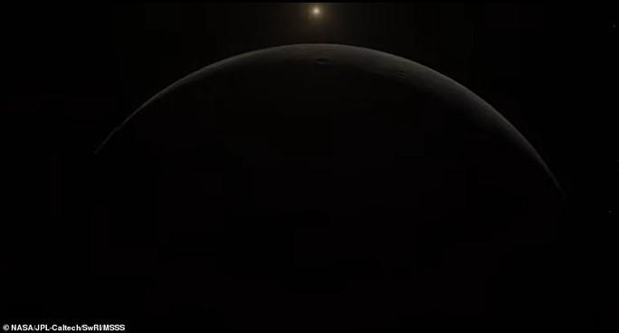 Những bức ảnh tuyệt đẹp về mặt trăng lớn nhất Hệ Mặt trời - 4