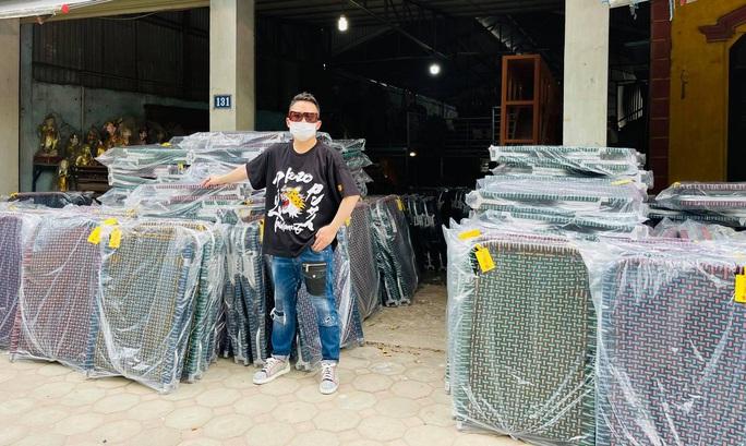 Ca sĩ Tùng Dương kêu gọi được hơn 3 tỉ đồng mua máy thở, gạo tặng người dân TP HCM - Ảnh 2.