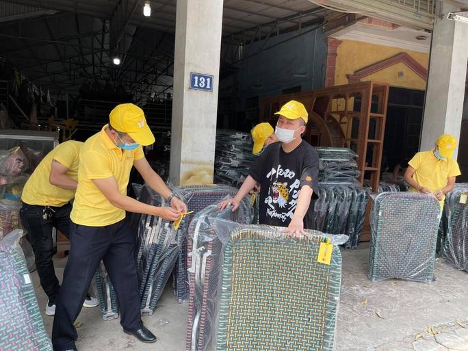 Ca sĩ Tùng Dương kêu gọi được hơn 3 tỉ đồng mua máy thở, gạo tặng người dân TP HCM - Ảnh 4.