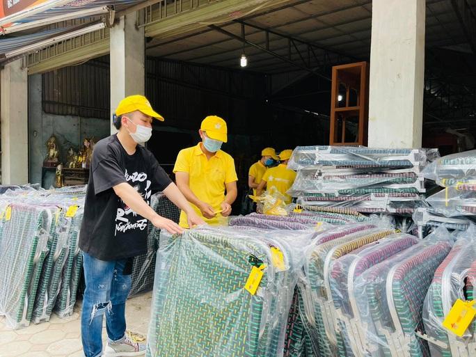 Ca sĩ Tùng Dương kêu gọi được hơn 3 tỉ đồng mua máy thở, gạo tặng người dân TP HCM - Ảnh 3.