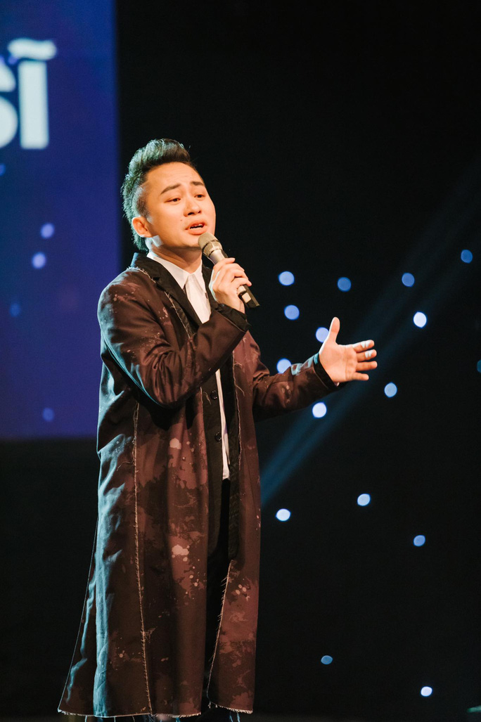 Ca sĩ Tùng Dương kêu gọi được hơn 3 tỉ đồng mua máy thở, gạo tặng người dân TP HCM - Ảnh 1.