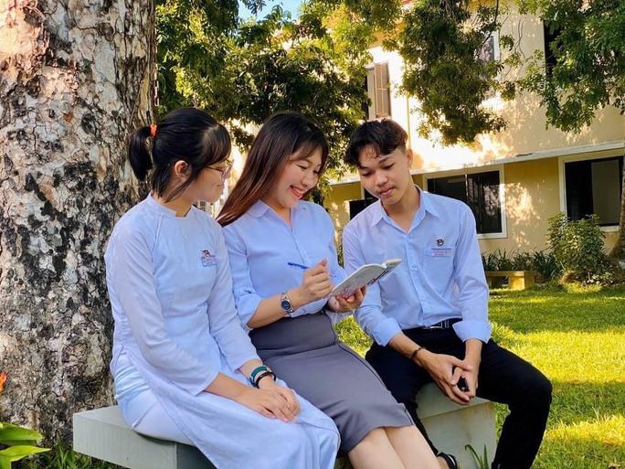 Cậu học trò nghèo ở Quảng Nam đạt điểm 10 môn Ngữ văn - Ảnh 3.