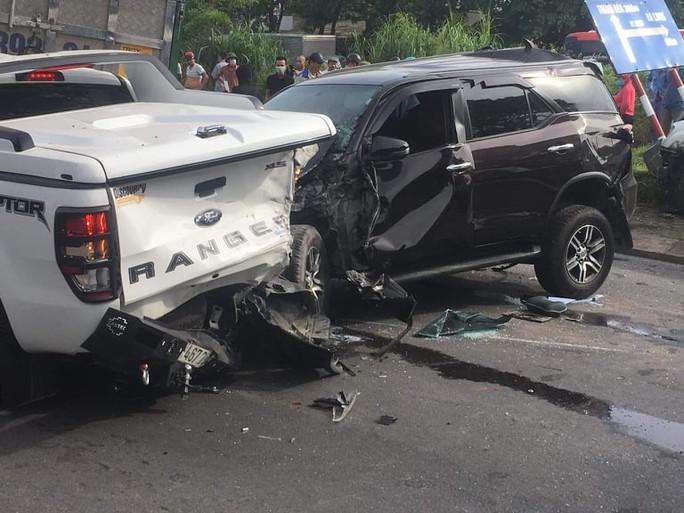 9 ôtô tông nhau liên hoàn, 1 người chết - Ảnh 5.