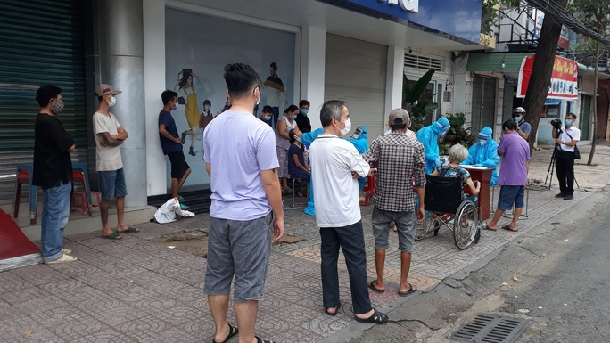 Cần Thơ: Cung cấp lương thực, thực phẩm cho người dân trong khu vực phong tỏa - Ảnh 1.