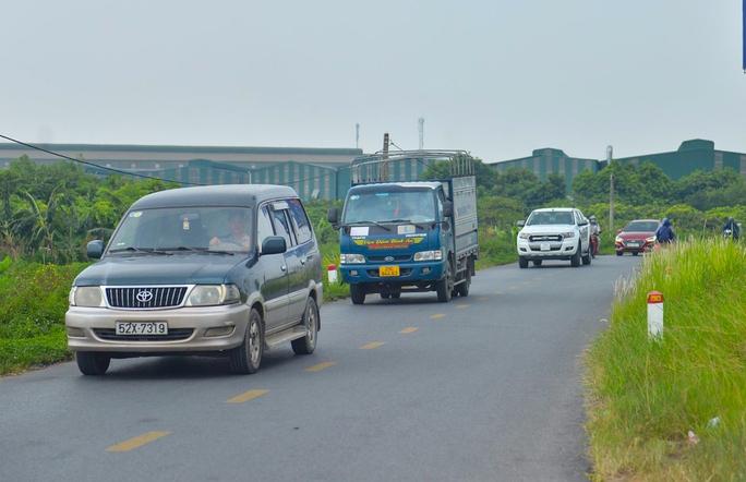 Cận cảnh hàng ngàn phương tiện giao thông ùn tắc nhiều giờ tại điểm chốt Pháp Vân-Cầu Giẽ - Ảnh 12.