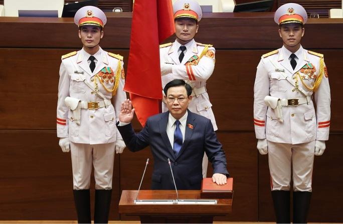 CLIP: Chủ tịch Quốc hội khoá XV Vương Đình Huệ tuyên thệ nhậm chức - Ảnh 2.