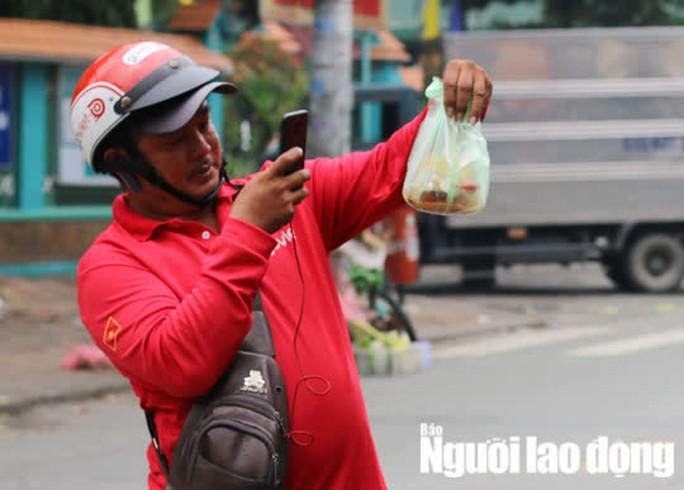 Thành phố Hồ Chí Minh dự kiến mở rộng hỗ trợ đối tượng lao động tự do gặp khó khăn - Ảnh 1.
