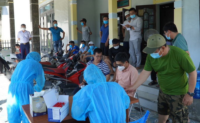 Quảng Bình: Phát hiện 3 ca dương tính SARS-CoV-2 đầu tiên trong cộng đồng - Ảnh 1.