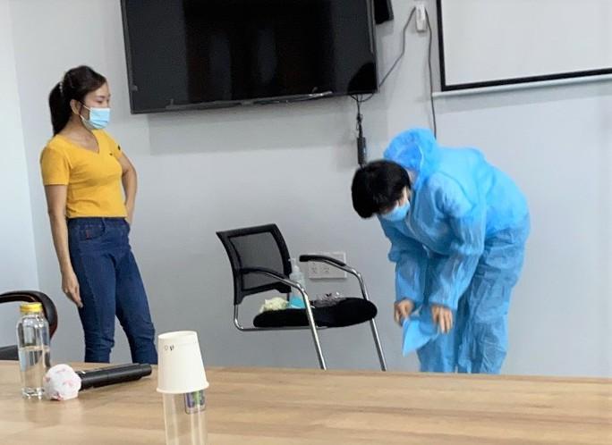 Cận cảnh các y, bác sĩ Thanh Hóa làm việc ở tâm dịch Covid-19 TP HCM - Ảnh 3.