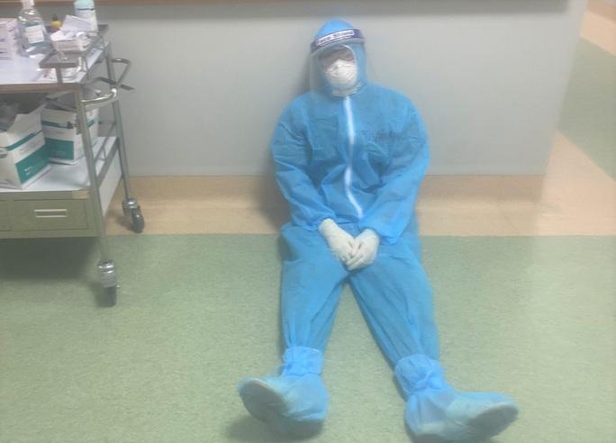 Cận cảnh các y, bác sĩ Thanh Hóa làm việc ở tâm dịch Covid-19 TP HCM - Ảnh 6.