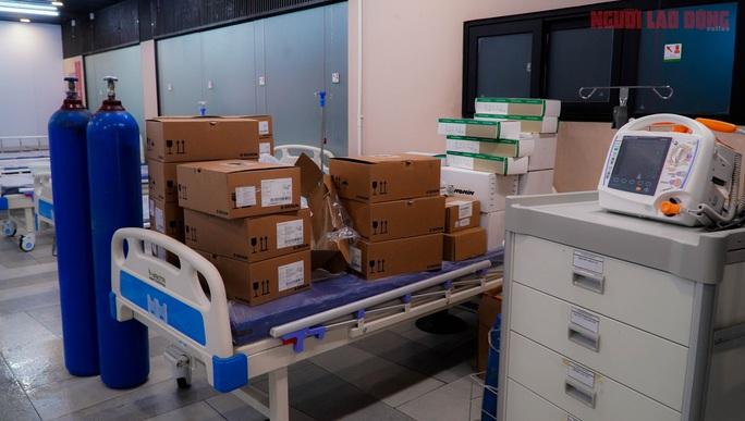 Toàn cảnh Bệnh viện dã chiến số 5 ở Thuận Kiều Plaza trước ngày hoạt động - Ảnh 9.