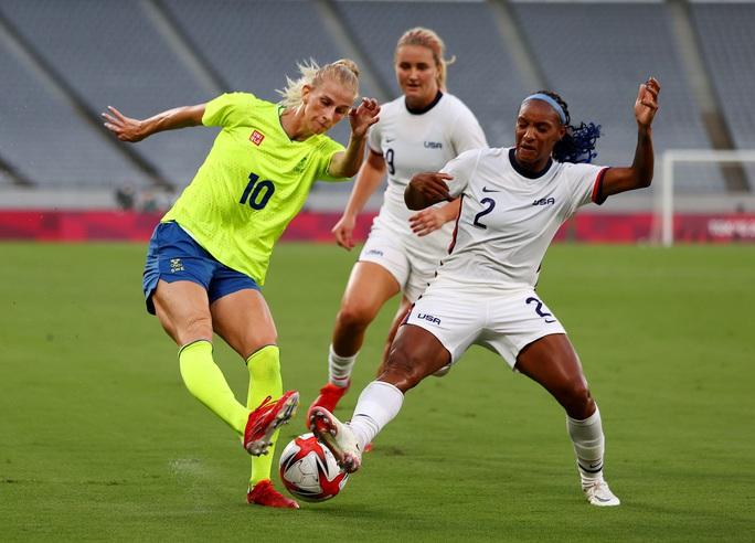 Đương kim vô địch World Cup nữ thua sốc ngày ra quân Olympic Tokyo 2020 - Ảnh 2.