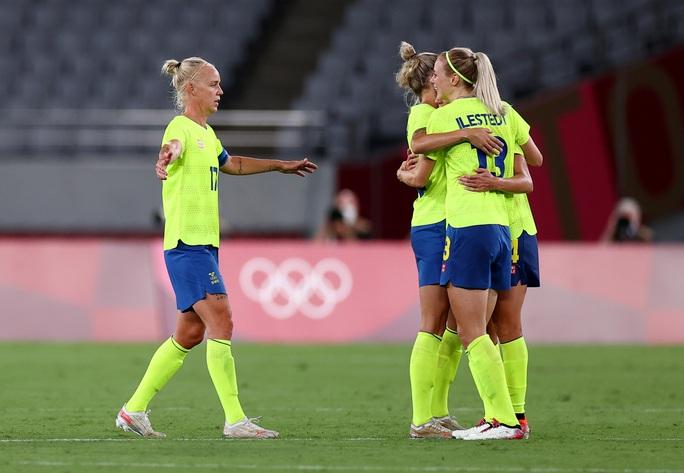 Đương kim vô địch World Cup nữ thua sốc ngày ra quân Olympic Tokyo 2020 - Ảnh 3.
