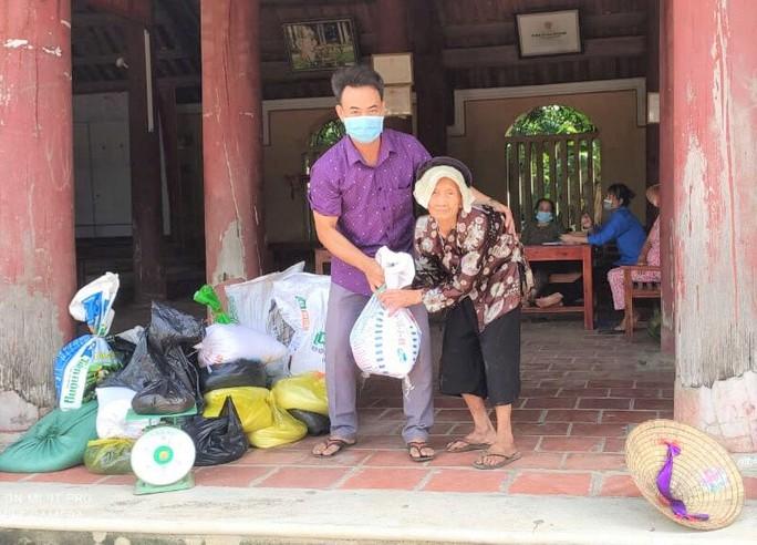 1.500 tấn hàng của người dân Thanh Hóa lên tàu biển vào TP HCM - Ảnh 4.