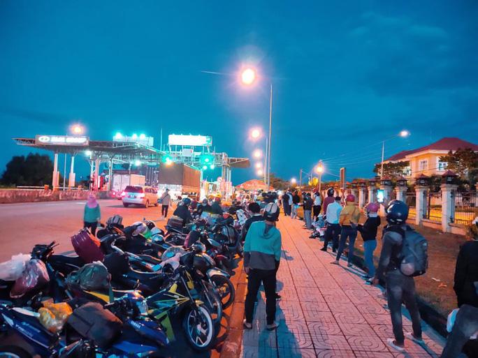 Đắk Lắk thay đổi cách đưa người dân từ TP HCM về quê - Ảnh 2.