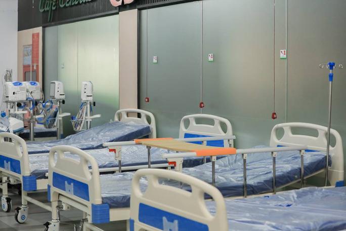 Bàn giao Bệnh viện dã chiến số 5 ở Thuận Kiều Plaza cho TP HCM - Ảnh 1.