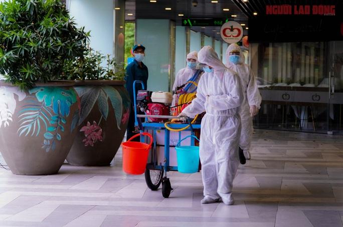 Toàn cảnh Bệnh viện dã chiến số 5 ở Thuận Kiều Plaza trước ngày hoạt động - Ảnh 11.