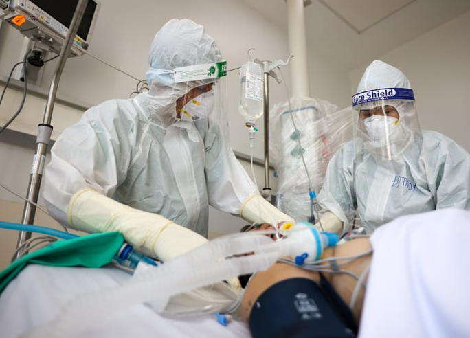 Rà soát lượng oxy trong bệnh viện, không để khan hiếm oxy y tế - Ảnh 1.