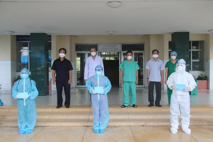 Bắc Giang cử đoàn cán bộ y tế vào Long An, Đồng Tháp có hơn 1.450 ca Covid-19 - Ảnh 3.