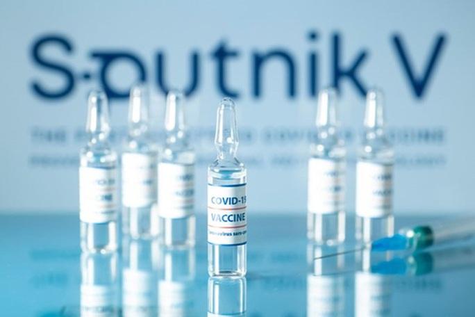 Gửi 10.000 liều vắc-xin Covid-19 Sputnik V do Việt Nam gia công sang Nga kiểm nghiệm - Ảnh 1.