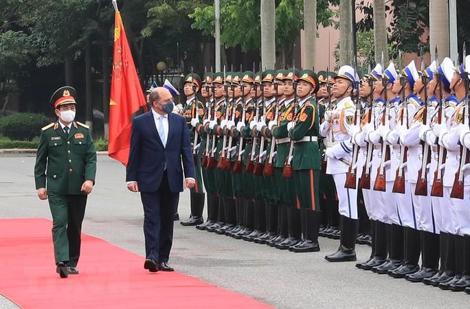 Thúc đẩy quan hệ hợp tác quốc phòng Việt Nam - Anh - Ảnh 1.
