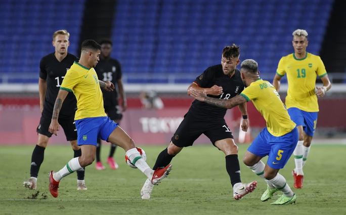 Olympic Tokyo: Brazil đánh bại Đức, Argentina thua sốc Úc - Ảnh 2.