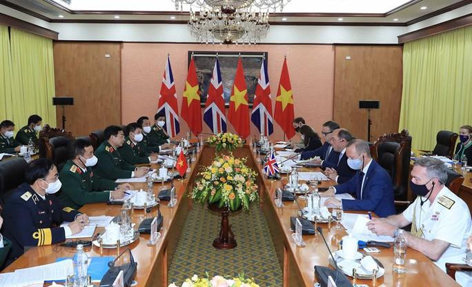Thúc đẩy quan hệ hợp tác quốc phòng Việt Nam - Anh - Ảnh 2.