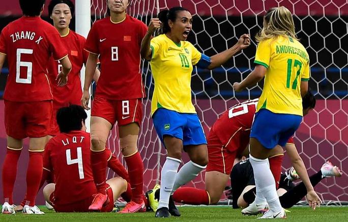 Lập kỷ lục ghi bàn tại Olympic, nữ siêu nhân Marta được Pele ca ngợi - Ảnh 3.