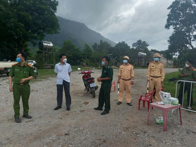 Thêm 2 huyện ở Quảng Bình giãn cách xã hội để phòng dịch Covid-19 - Ảnh 2.