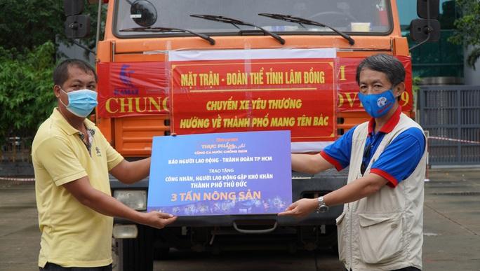 Nông sản từ Lâm Đồng đi xuyên đêm về tặng người dân TP HCM - Ảnh 4.