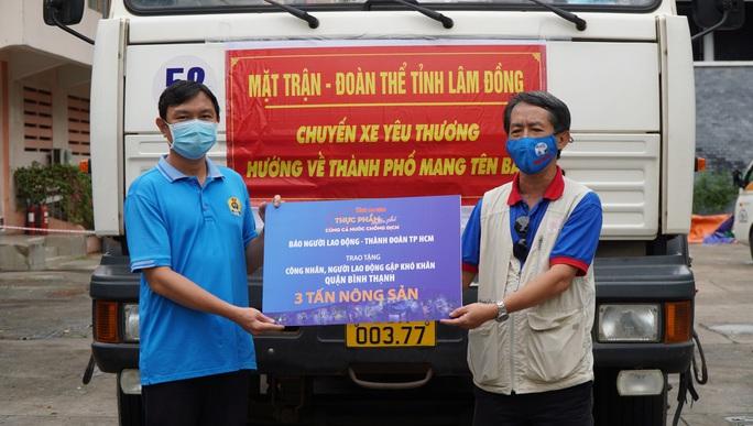 Nông sản từ Lâm Đồng đi xuyên đêm về tặng người dân TP HCM - Ảnh 3.