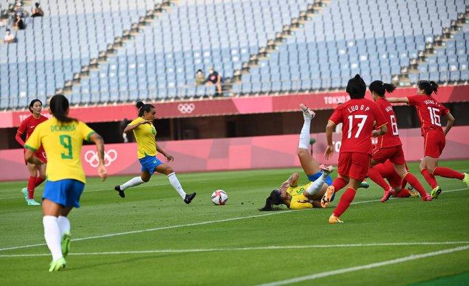 Lập kỷ lục ghi bàn tại Olympic, nữ siêu nhân Marta được Pele ca ngợi - Ảnh 1.