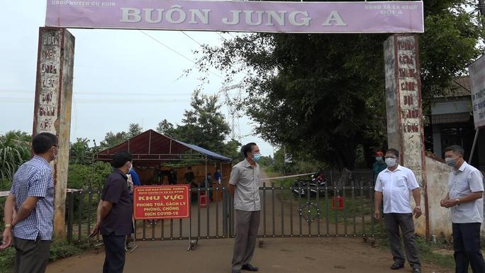 Đắk Lắk: TP Buôn Ma Thuột và huyện Cư Kuin giãn cách xã hội theo Chỉ thị 16 - Ảnh 2.