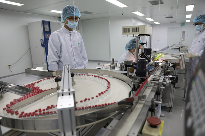 Đàm phán với nhiều đối tác về chuyển giao công nghệ sản xuất vắc-xin, thuốc điều trị Covid-19 - Ảnh 1.