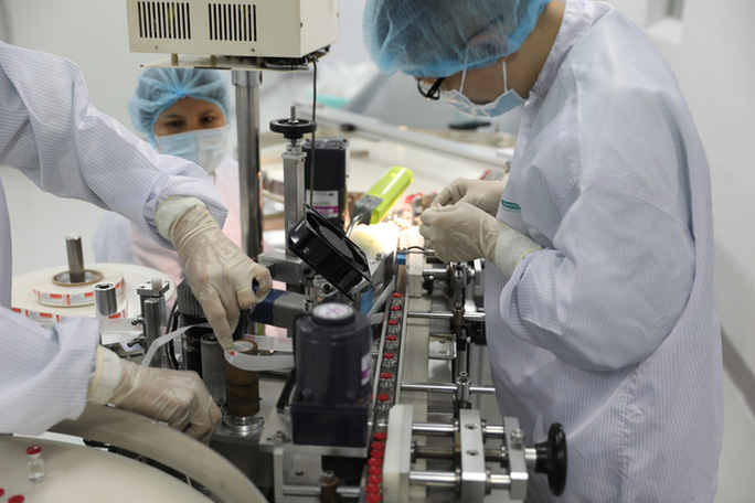 Đàm phán với nhiều đối tác về chuyển giao công nghệ sản xuất vắc-xin, thuốc điều trị Covid-19 - Ảnh 2.