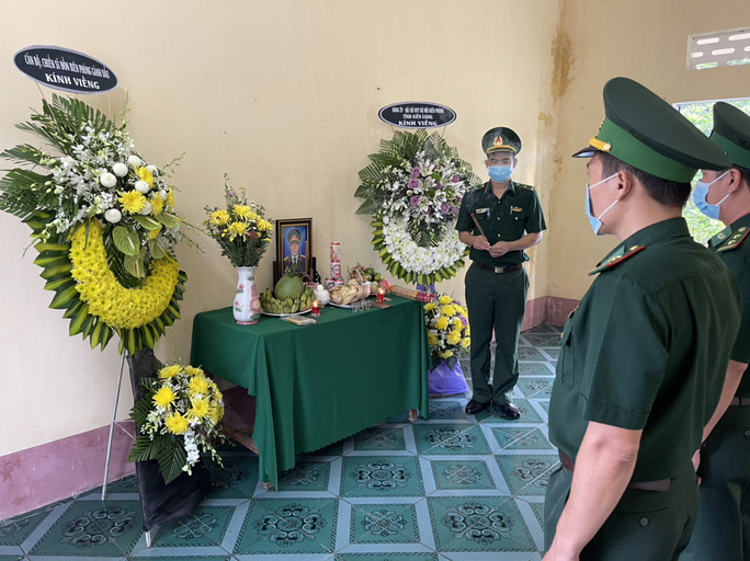 Chịu tang người thân tại nơi tuyến đầu phòng chống dịch Covid-19 - Ảnh 2.