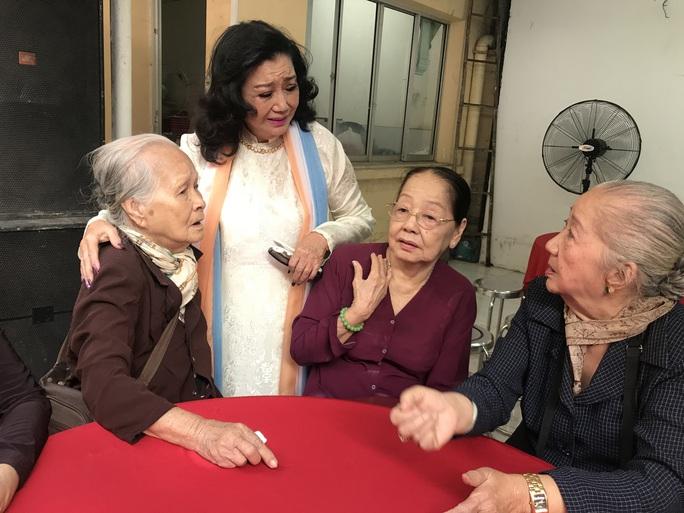 NSND Kim Cương giúp 40 nghệ sĩ lão thành lúc khó khăn - Ảnh 2.