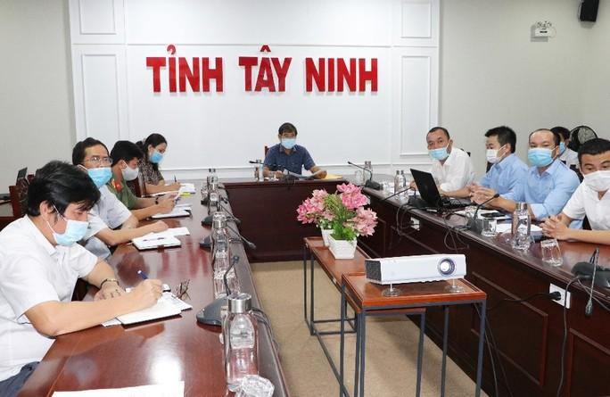 TTC IZ bàn giao Nhà xưởng để thành lập Bệnh viện dã chiến số 1 - Ảnh 1.