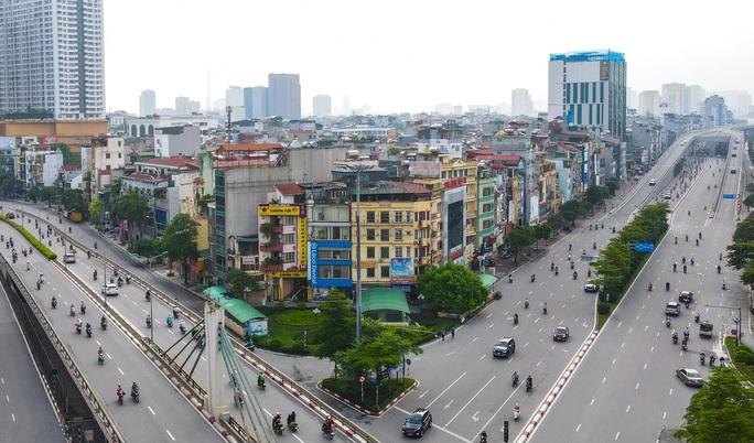 Đường phố Hà Nội những ngày thực hiện Chỉ thị 16 - Ảnh 3.