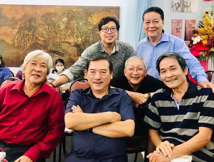 Nhà báo Lê Văn Nghĩa Hai Cù Nèo qua đời vì bạo bệnh - Ảnh 2.