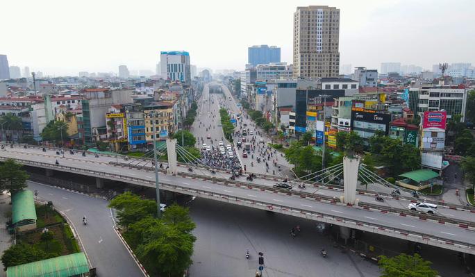 Đường phố Hà Nội những ngày thực hiện Chỉ thị 16 - Ảnh 4.