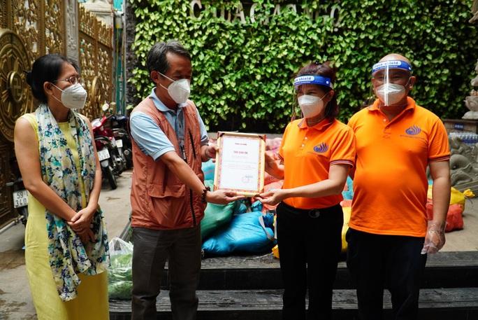 Thực phẩm miễn phí cùng cả nước chống dịch nhận 30 tấn nông sản từ Quỹ Đạo Phật ngày nay - Ảnh 4.