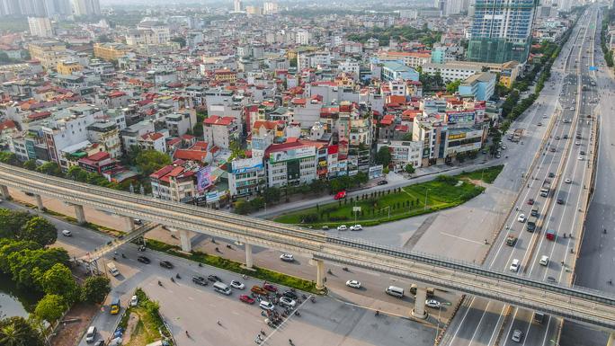 Đường phố Hà Nội những ngày thực hiện Chỉ thị 16 - Ảnh 10.