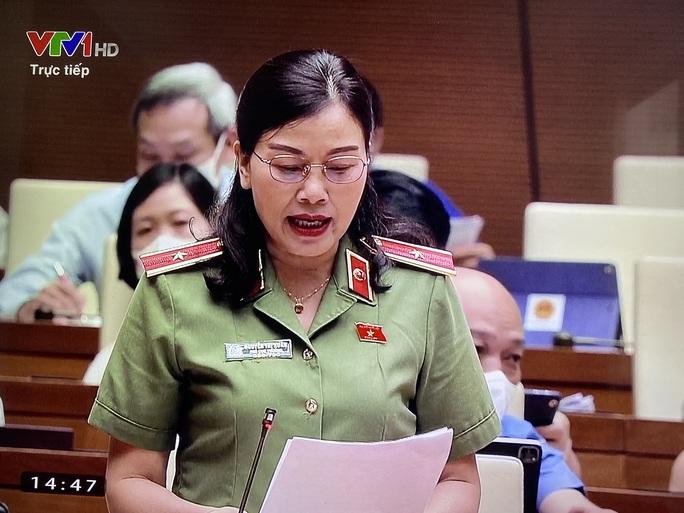 Thiếu tướng Nguyễn Thị Xuân: Cán bộ sợ trách nhiệm khi mua sắm vật tư chống dịch Covid-19 - Ảnh 1.